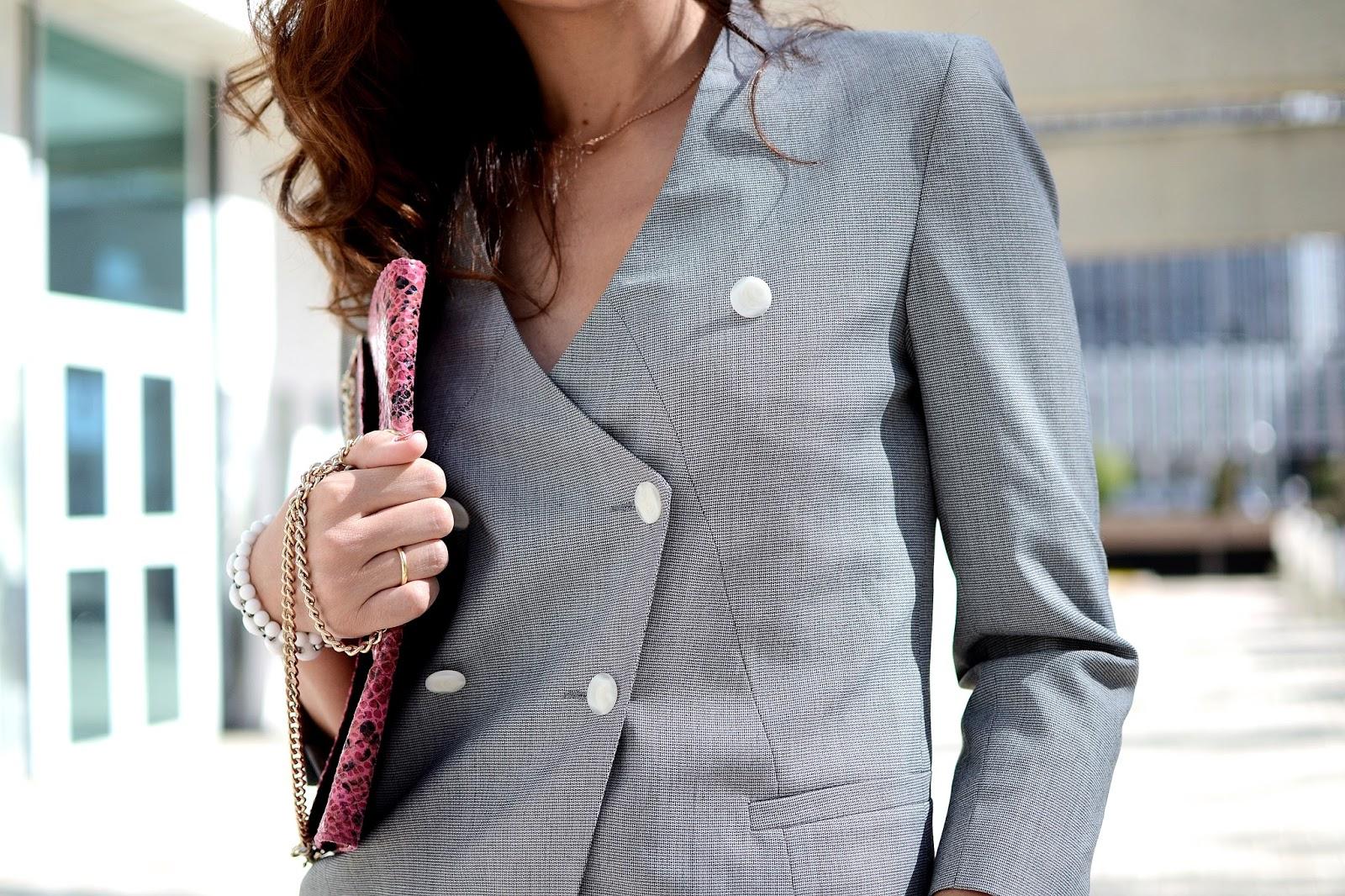 como_modernizar_el_traje_para_mujer